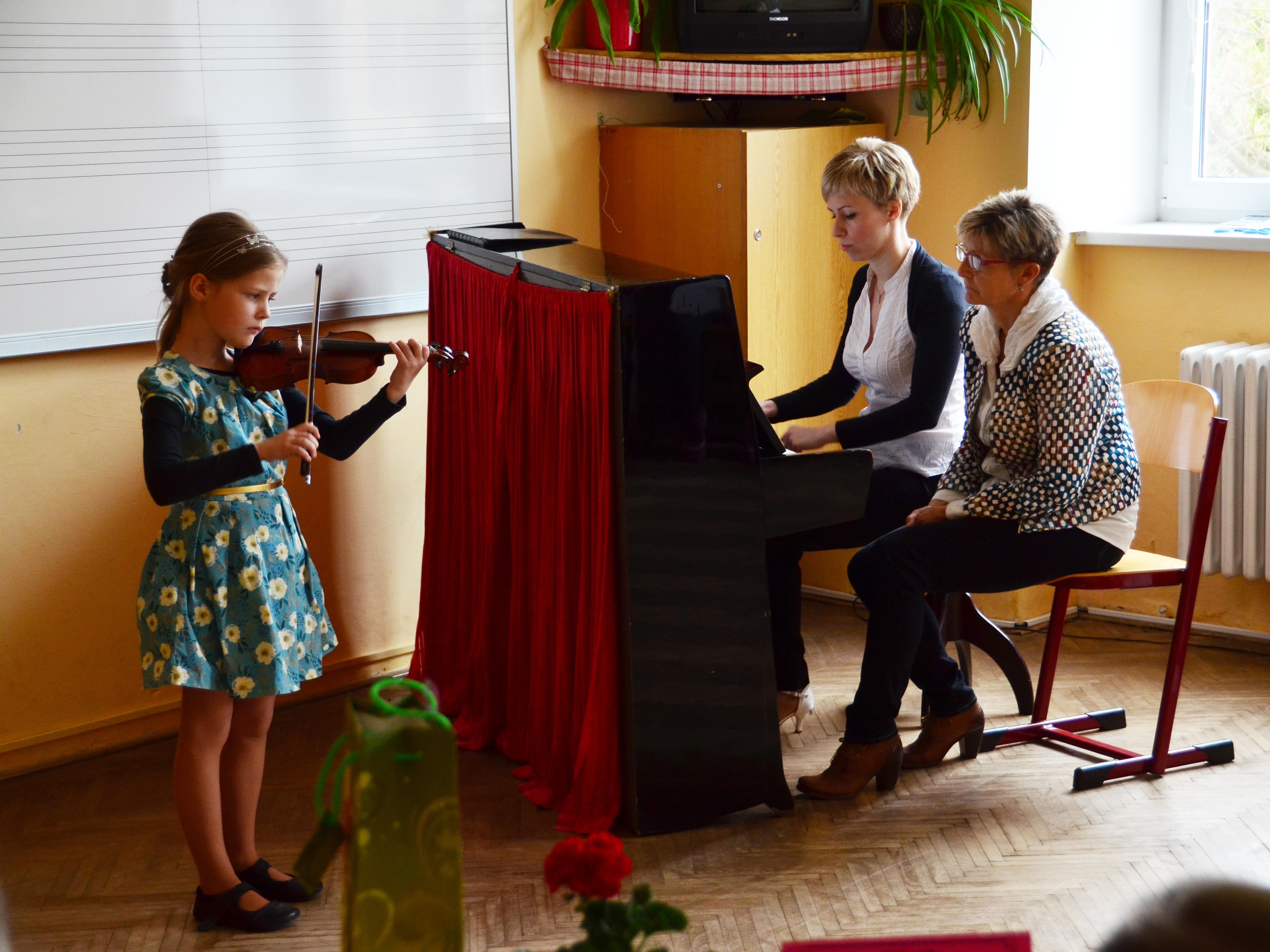 Houslová soutěž 2016 - Umělecký houslový seminář - Horáková Mariana