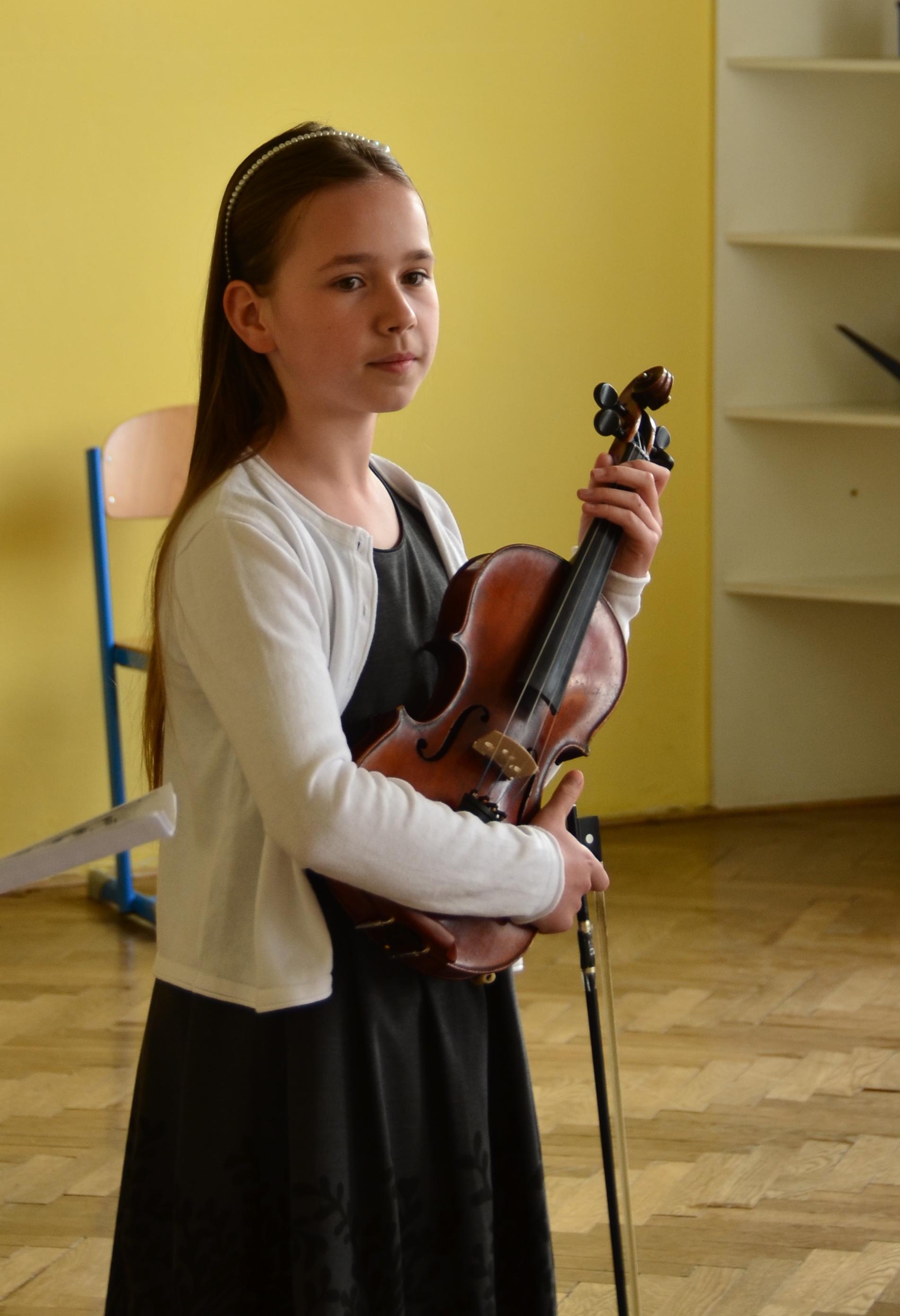 Houslová soutěž 2016 - III. kategorie - Minková Miriam