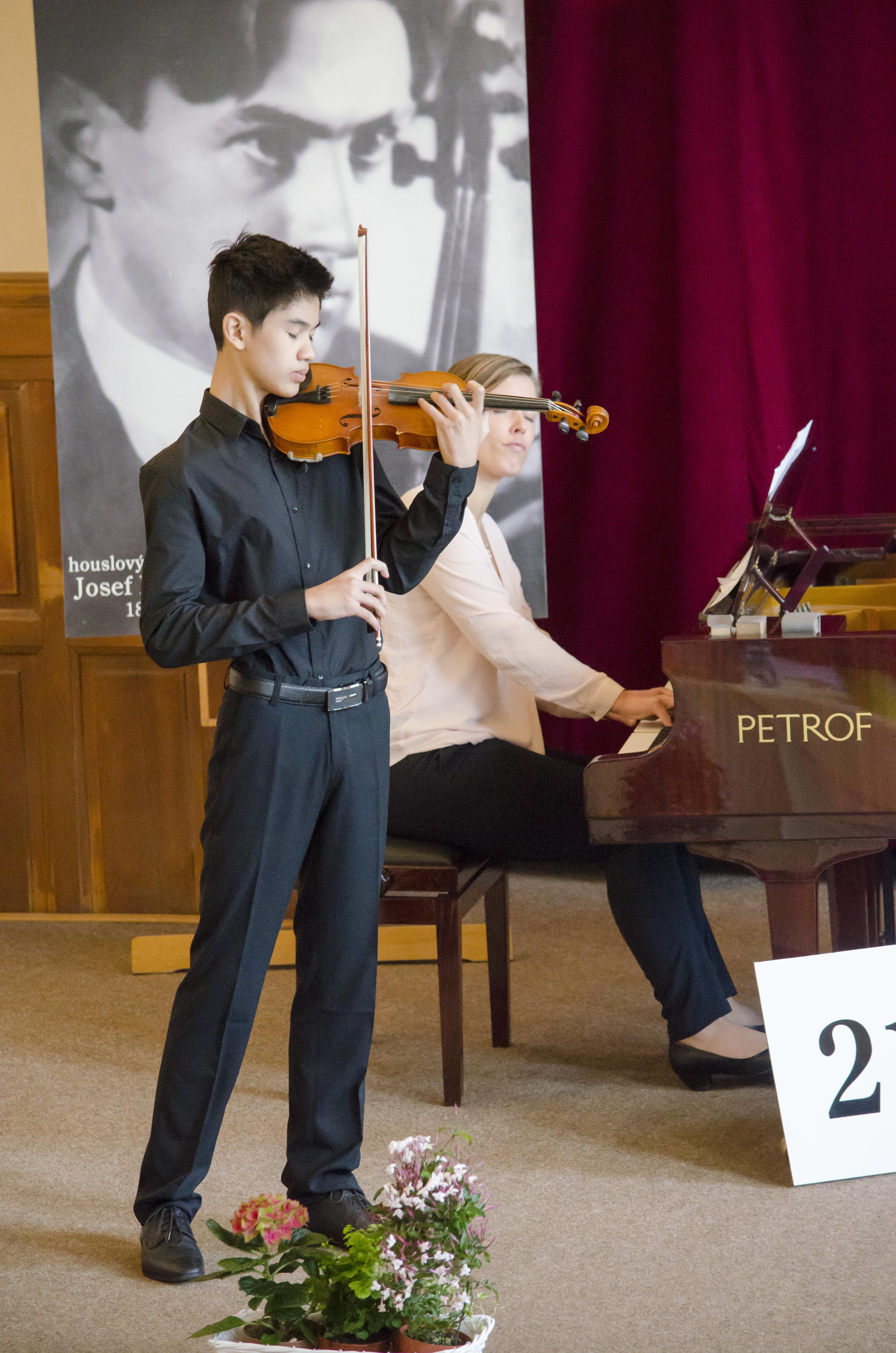 Houslová soutěž 2017 - IV. kategorie - Le Minh Hoang Long